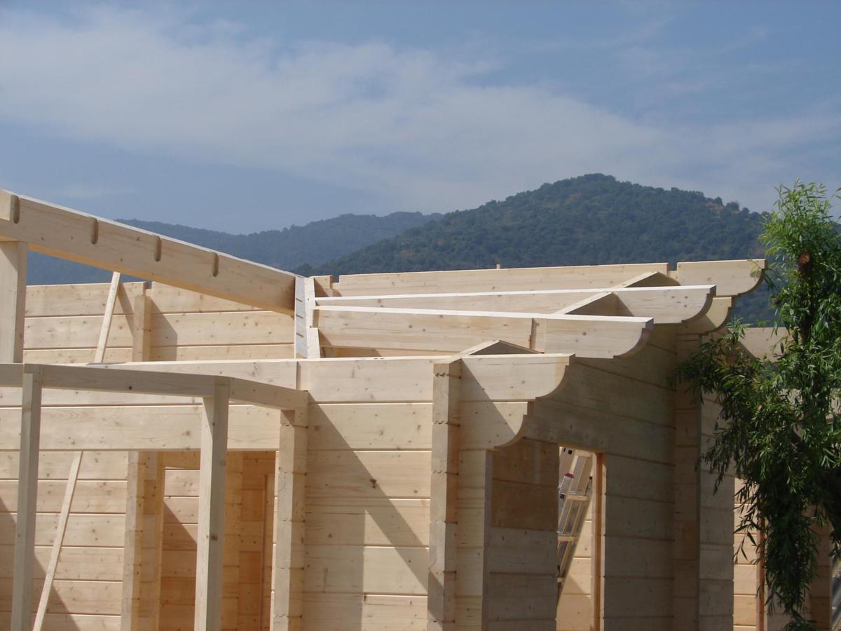 Casa de madera prefabricada estifani 3 casas de madera y - Casas prefabricadas tarragona ...